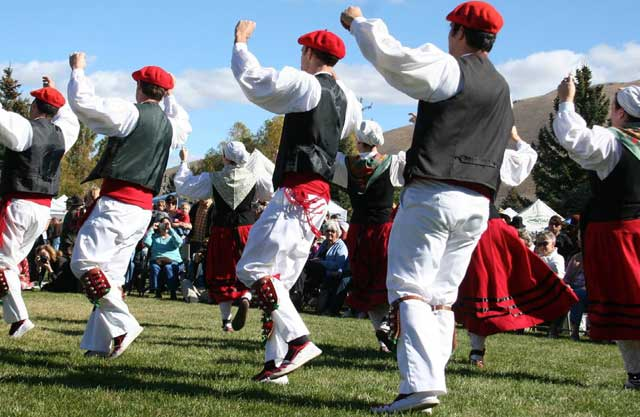 The Oinkari Basque Dancers always give a wonderful performance at the Festival.